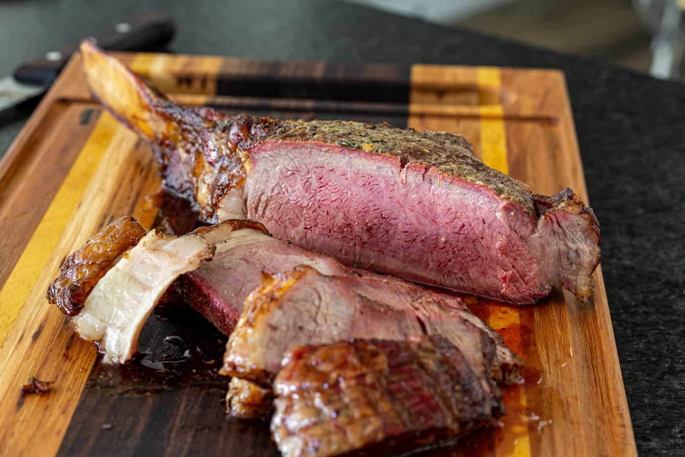 Sliced smoked tomahawk Steak
