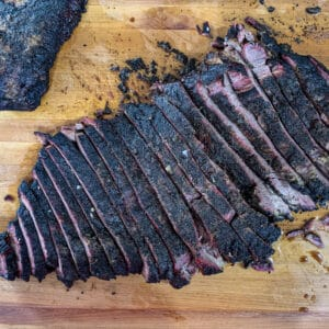 Brisket with bark thanks to beef rub